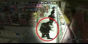 estratto dal video di sorveglianza delle telecamere