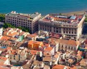 Comune_Salerno_panorama_case