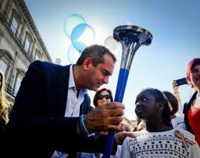 Napoli: sindaco de Magistris alla partenza staffetta podistica 'Peace Run'