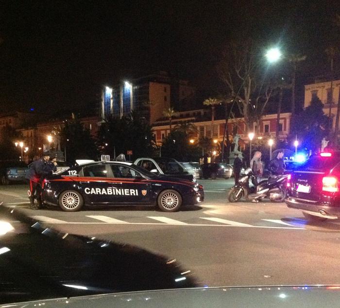 Movida sicura a Napoli, Cc bloccano 80 auto senza Rca