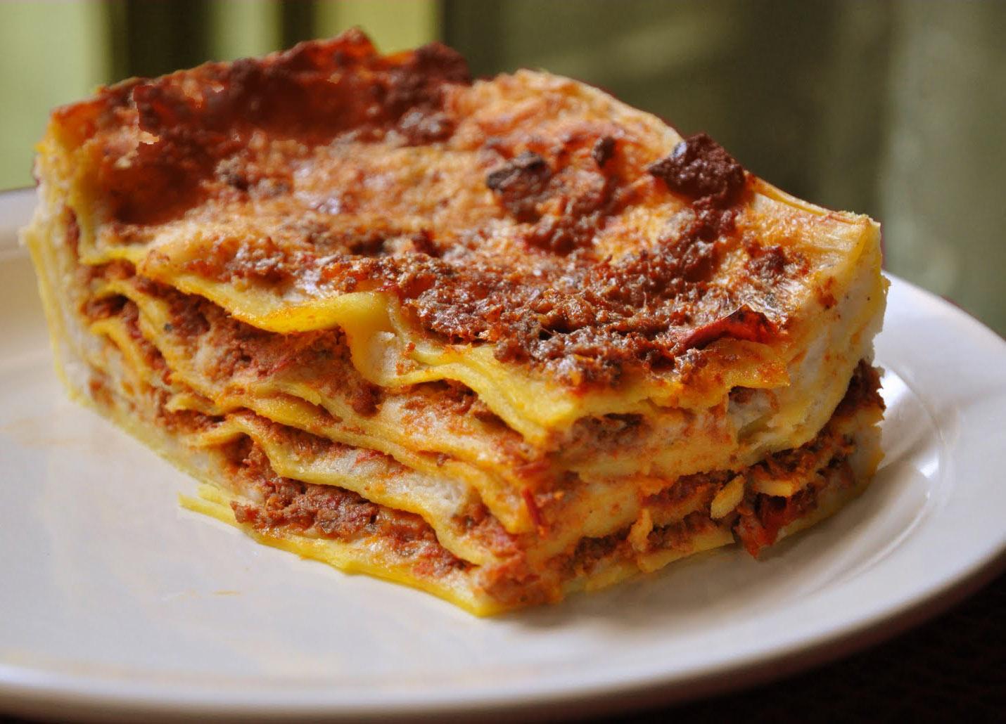 """Ricetta e consigli per servire in tavola la """"lasagna perfetta"""" -  Napolitan.it"""