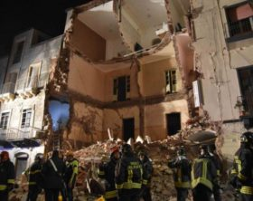 Crolla palazzina a Catania
