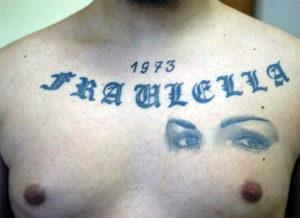 fraulella_tatuaggio_camorra