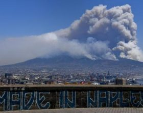 Incendi:Vesuvio; a Trecase via residenti in area interessata