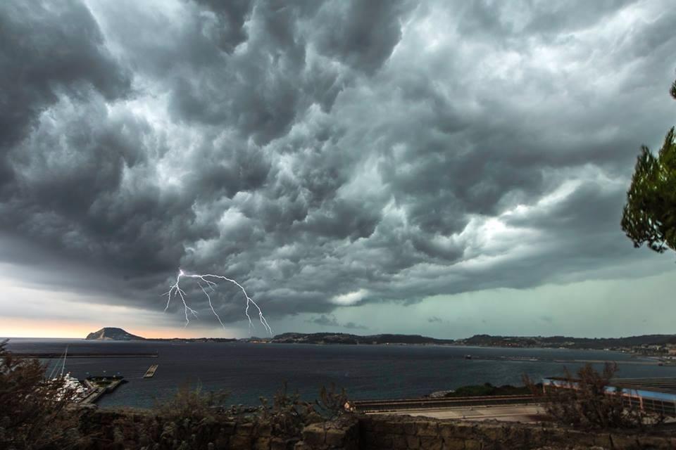 maltempo-campania-temporali-e-nubifragi-anche-a-napoli