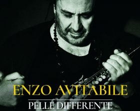 enzo-avitabile_cover-disco_pelle-differente_902