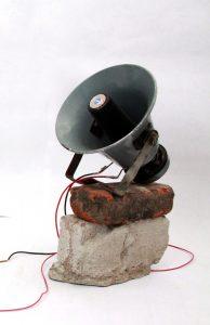 es-el-ruido-de-su-mundo-destruyendose-studio-photo-detail-courtesy-of-the-artist