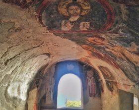 interno-abbazia-santa-maria-de-olearia