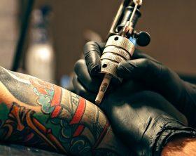 tatuatore-assicurazione-medici