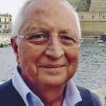 >>>ANSA/ CORNICIONE SI STACCA E UCCIDE COMMERCIANTE A NAPOLI