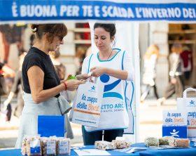 volontari-per-zuppa-della-bonta_progetto-arca_2
