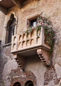 01-balcony_ots_day-007_generale_vertical_low_2500px_press