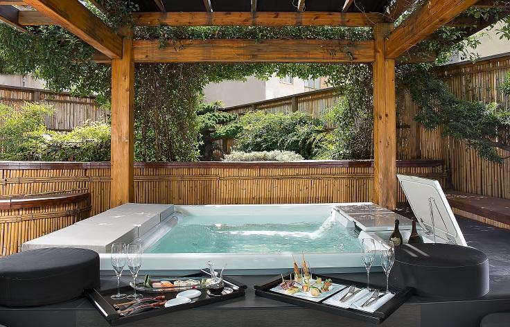 two-bedroom-suite-with-zen-garden-2