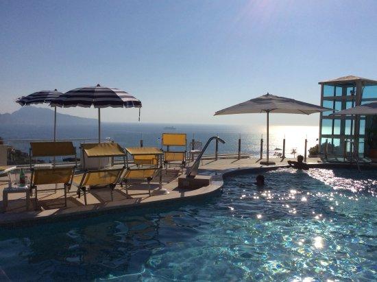 La piscina di Hotel Francischiello