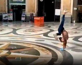 ballerina-napoli-galleria