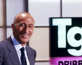 """Roma - Anno 1989 Trasmissione televisiva di rai 2 """" Dribbling """" 1989 / 1990 Nella foto: I conduttori Antonella CLERICI e Gianfranco DE LAURENTIS Ph. P.Suriano / FARABOLAFOTO"""