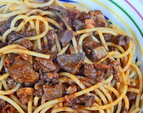 spaghetti-al-soffritto-napoletano1