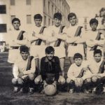 squadra-di-calcio-archivio-famiglia-troisi-massimo-in-piedi-a-sinistra