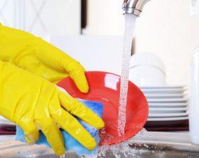 lavare-piatti-a-mano